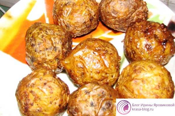 Печеная картошка: вкусное и простое блюдо на каждый день,в фольге