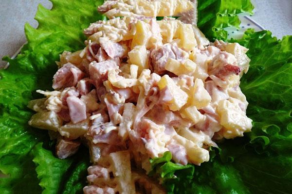 салат с копченой куриной грудкой,с фасолью, ананасами,свежим огурцом, простые рецепты с фото